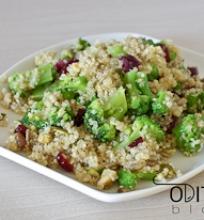 Kynvos salotos su brokoliais ir spaguolėmis