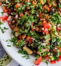 Baklažanų ir pomidorų salotos