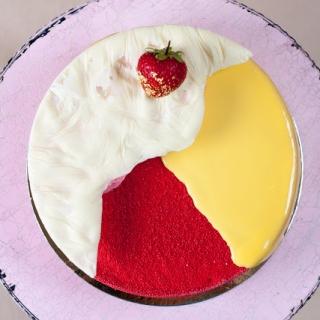 """Tortas """" Braškė – mango"""""""