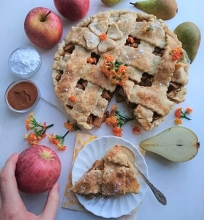 Kriaušių ir obuolių pyragas