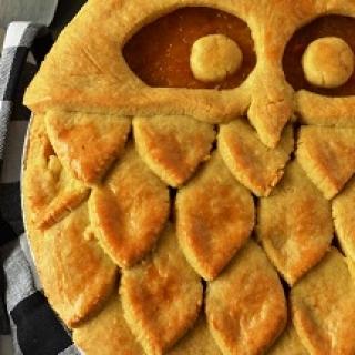 pyragas su obuoliais, moliūgu ir apelsinais