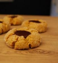 Riešutų sviesto sausainiai su šokoladu