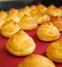 Plikyti sūrio pyragaičiai – gougeres