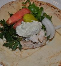 Graikiško skonio sumuštinis