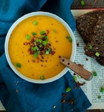 Saldžiųjų bulvių ir morkų sriuba