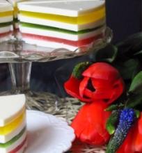 Sluoksniuotas želė tortas