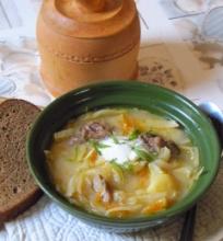 Raugintų ir šviežių kopūstų sriuba