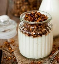 Lazdynų riešutų traškūs dribsniai (granola)