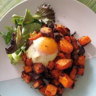 Orkaitėje Keptos Saldžiosios Bulvės, Chorizo su Kiaušiniais