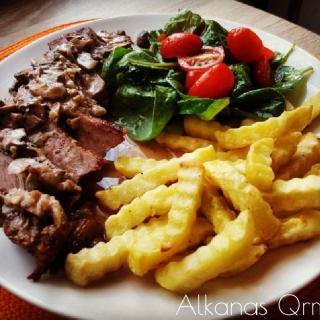 Jautienos steikas su grybų padažu