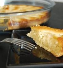 Migdolinis pyragas su kriaušėmis