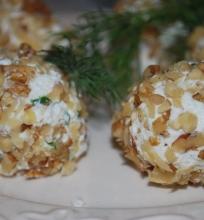 Sūrio rutuliukai su alyvuoge