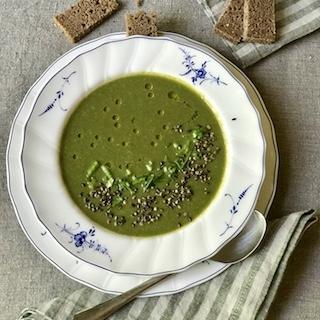Rūgštynių ir dilgėlių sriuba