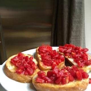 Brusketos su pomidorais arba pan con tomates