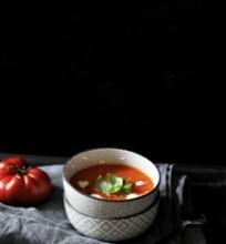 Šviežių pomidorų sriuba su kokosų pienu