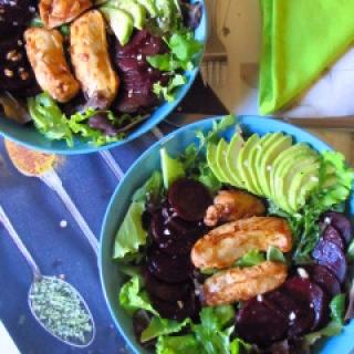 Burokėlių ir avokadų salotos