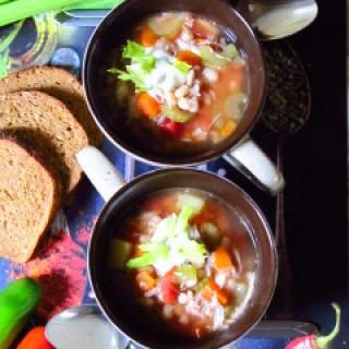 Tiršta pupelių sriuba