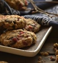 Avižiniai sausainiai su spanguolėmis ir šokolado gabaliukais
