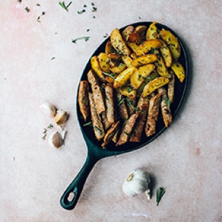 Jautiena ir bulvytės česnakiniame svieste