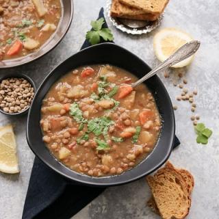 Rudųjų lęšių ir pastarnokų sriuba