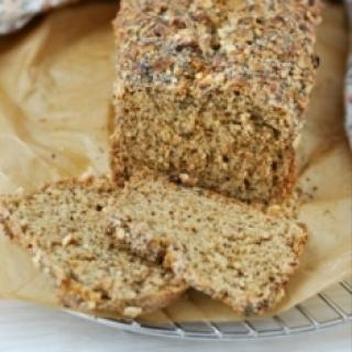 Sodos duona su graikiniais riešutais