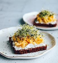 Skrebučiai su kreminiu omletu