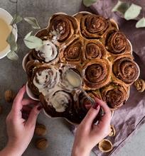Cinamoninių bandelių pyragas