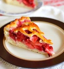 Bruknių ir obuolių pyragas