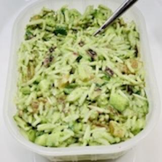 Žalios spalvos ryžių salotos