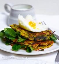 Bulvių skrebučiai su kiaušiniu