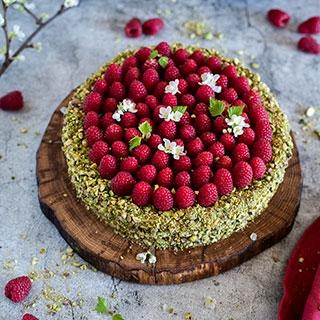 Varškės ir pistacijų tortas