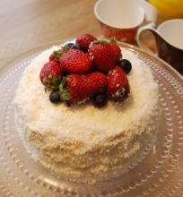 Kokosinis baltojo šokolado tortas