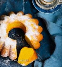 Kukurūzų miltų keksas