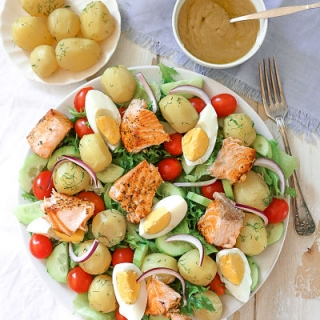 Suomiškos bulvių ir lašišos salotos