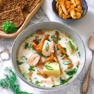Voveraičių, bulvių ir lašišos sriuba