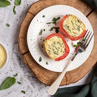 Varške ir špinatais įdaryti pomidorai
