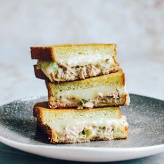 Keptas tuno sumuštinis