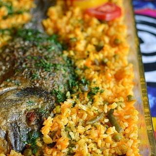 Žuvis su ryžiais