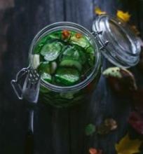 Marinuoti saldžiarūgščiai agurkai