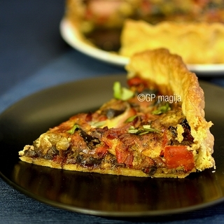 Pyragas su daržovėmis ir mėsa