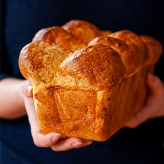 Šviesi naminė duona