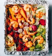 Vienos skardos krevetės su daržovėmis