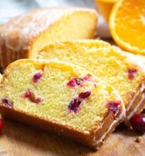 Apelsinų duona su spanguolėmis