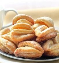 Varškės sausainiai su cukrumi