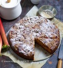Rabarbarų pyragas su trupiniais