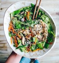 Žaliosios azijietiškos salotos