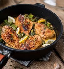 Česnakinė vištiena su brokoliais