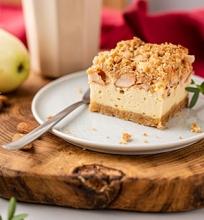 Obuolių pyragas su kreminiu sūriu