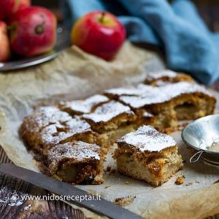 Senoviškas obuolių pyragas