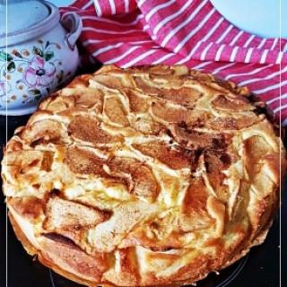 Obuolių – maskarponės pyragas